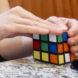 Foto des Blinden-Zauberwürfels Rubik's Touch Cube